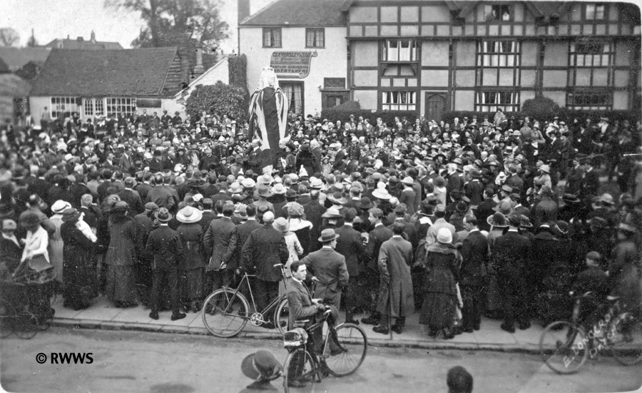 Unveiling the memorial in 1920, Royal Windsor Web Site